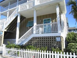 Kick -N-Back- Downstairs apartment available for long term off season rentals - Topsail Beach vacation rentals