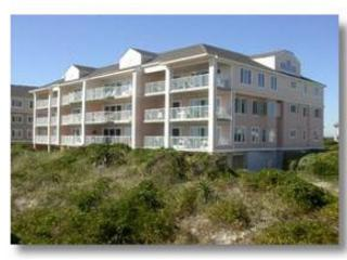 Wrightsville Dunes 1C-G - Oceanfront condo with community pool, tennis, beach - Wrightsville Beach vacation rentals