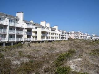 Wrightsville Dunes 3C-G - Oceanfront condo with community pool, tennis, beach - Wrightsville Beach vacation rentals