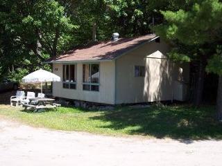 Bayview Cottages - Sunset - Nobel vacation rentals