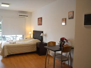 Nice Lofted Studio + Amenities. Fast Wifi 10 MB! - Buenos Aires vacation rentals