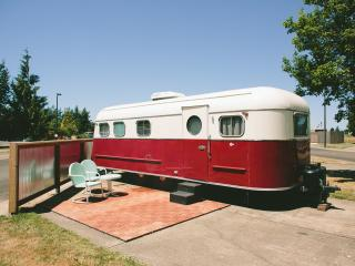Restored 1950 M-System Dlx Trailer - Dayton vacation rentals