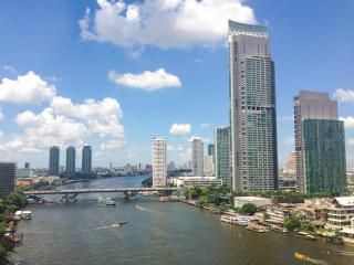 The River Luxury Apartment near BTS in Bangkok CBD - Bangkok vacation rentals