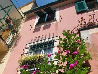 Cozy 3 story house in Cinque Terre (Bonassola) - Bonassola vacation rentals