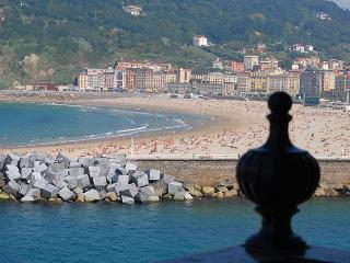 MAITETXU::Old Town. Seaviews. WiFi. Beaches. 5p - Guipuzcoa Province vacation rentals