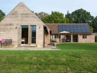 Luxury family barn,Frant,nr Tunbridge Wells,Sussex - Bells Yew Green vacation rentals