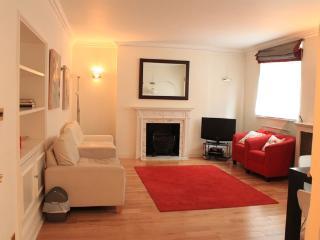 Flat 1 Brooks Mews, - London vacation rentals
