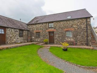 Comfortable 2 bedroom Cottage in Pontfaen - Pontfaen vacation rentals