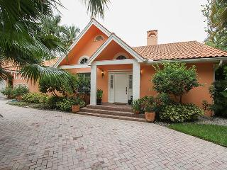 Perfect House with Internet Access and Shared Outdoor Pool - Naples vacation rentals