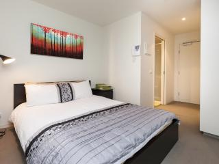 Harriet, Central CBD 1BDR - Melbourne vacation rentals