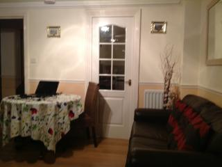 Nice and comfortable bedroom for 2 or 4 people - London vacation rentals