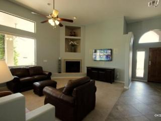 Private Home in Oro Valley with Three Bedrooms an Office and a Salt Water Pool - Southern Arizona vacation rentals