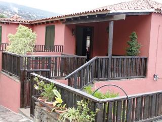 Apartment Rural The Resbala    Apartamento Rural La Resbala - La Orotava vacation rentals