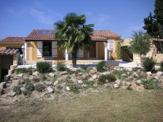 Cozy 3 bedroom Althen-des-Paluds House with Internet Access - Althen-des-Paluds vacation rentals