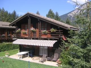 Comfortable chalet. Enclosed garden. Dogs accepted - Orsieres vacation rentals