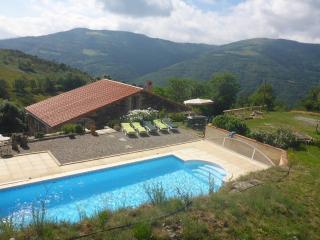 MAS TAILLET beautifull old farmhouse amazing views - Prats de Mollo la Preste vacation rentals