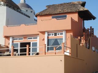 Casa Vidrio de Mar - 3RB/2BA Caribbean Front Home - Isla Mujeres vacation rentals