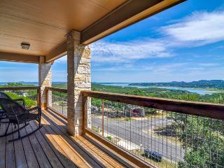 Charming House with Internet Access and Washing Machine - Canyon Lake vacation rentals