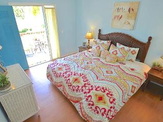 Old Man and the Sea Inn #3 - 8 steps to the sand of Siestas best beach! - Siesta Key vacation rentals