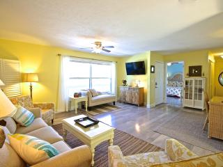 Old Man & the Sea Inn 2BR - 1 marlin from the sand - Siesta Key vacation rentals