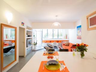 3 bedroom off Ben Gurion Blvd. + private garden! - Tel Aviv vacation rentals