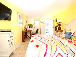 The Top Siesta Key Location, The Village Studio - Eat Shop Beach! - Siesta Key vacation rentals