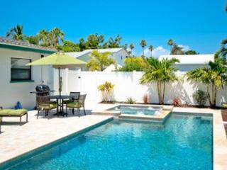 Charming 2 bedroom Anna Maria House with A/C - Anna Maria vacation rentals