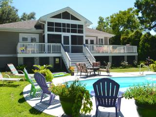 Supurb One Level Home | Private POOL!  Dual Master Suites | Top 5-star Reviews! - Charleston vacation rentals