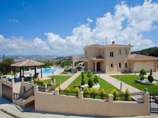 Nice 4 bedroom Villa in Stroumbi - Stroumbi vacation rentals