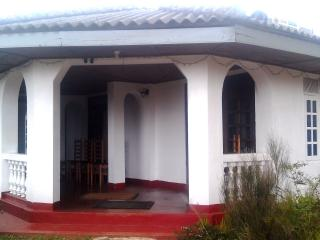 Nice Bed and Breakfast with Housekeeping Included and Balcony - Nuwara Eliya vacation rentals