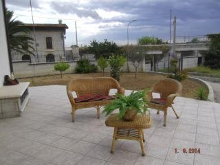 Bright 4 bedroom B&B in Archi with Deck - Archi vacation rentals