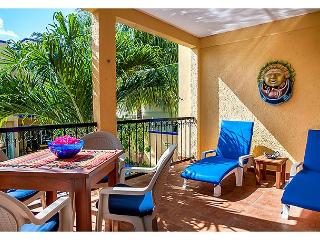 Large, very popular, airy apartment with kitchen and shaded private balcony - Puerto Morelos vacation rentals