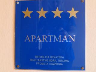 Appartamento moderno per 6 persone**** Biserka - Malinska vacation rentals