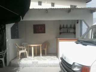 Bright 8 bedroom Kololi Apartment with Internet Access - Kololi vacation rentals