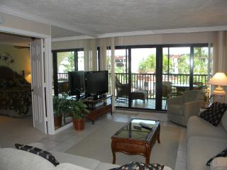 Pointe Santo #A32 Beautiful Complex. Steps to Pool & Beach - Sanibel Island vacation rentals