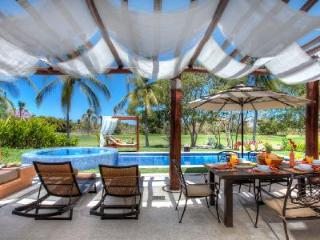 Luxury villa La Casa Que Canta has pool, hot tub & terrace - 5 min to beach! - Punta del Burro vacation rentals