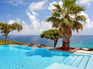Azure Dream - a haven of peace with sea views, pool, tennis court & cinema room - Roquebrune-Cap-Martin vacation rentals