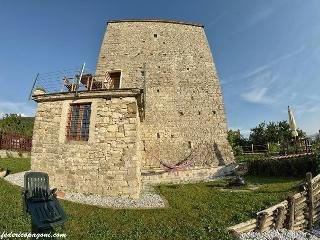 Nice 2 bedroom Villafranca in Lunigiana Fort with Internet Access - Villafranca in Lunigiana vacation rentals