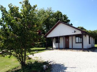 High quality 2 bed cottage near the sea & beaches - Otterham vacation rentals