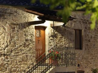 Agriturismo Piettorri Rosa chic and cozy apartment - Casole d Elsa vacation rentals