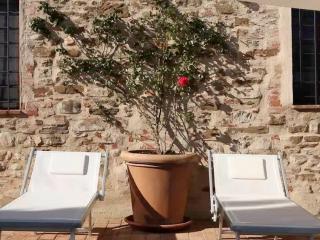 Agriturismo Piettorri Violetta Romantic apartment - Casole d Elsa vacation rentals