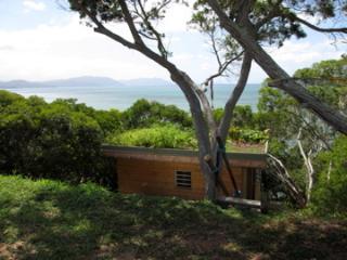 Bungalow écolo  bord de mer (ch,cuis, sdb) - Noumea vacation rentals