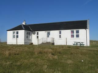 Bright 3 bedroom Fionnphort Cottage with Satellite Or Cable TV - Fionnphort vacation rentals