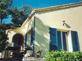 Bright 2 bedroom Bessas Villa with Internet Access - Bessas vacation rentals