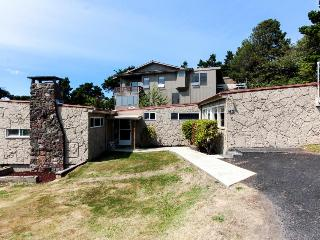 Cozy home w/ ocean views, easy beach access & attractions nearby! - Newport vacation rentals