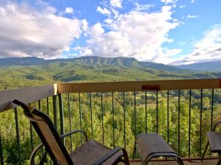 Above Par Condo - Views, Luxury, Indoor Pool - Gatlinburg vacation rentals