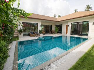 Beautiful Pool villa D in Nai Harn - Kata vacation rentals