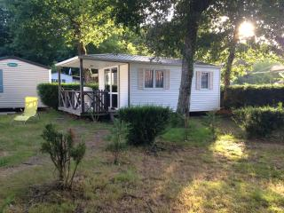 Loue à l'année charmant bungalow 4/5 personnes - Sainte-Eulalie-en-Born vacation rentals