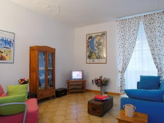 In the coliseum area, 1 bedroom, living room... - Rome vacation rentals