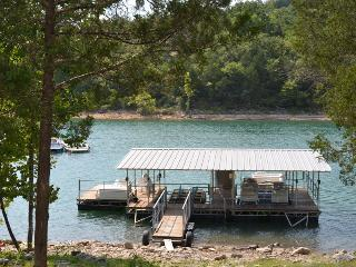 LAKEFRONT CABIN WITH BOAT SLIP! SPECIALS - Branson vacation rentals